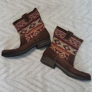 Naturalizer tribal print brown Aztec short boots